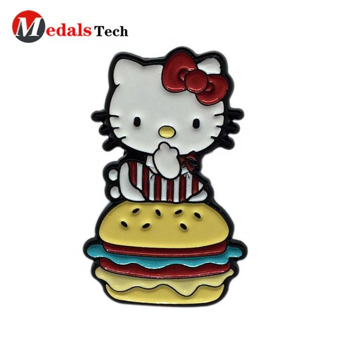 Janpan popular cat shape soft enamel engravingmetal souvenir lapel pins manufacturer for gifts
