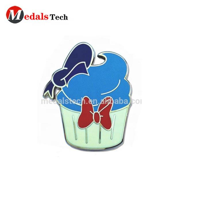 Wholesale unique price brass gold plated cute school kids ice cream cake lapel pins as gifts