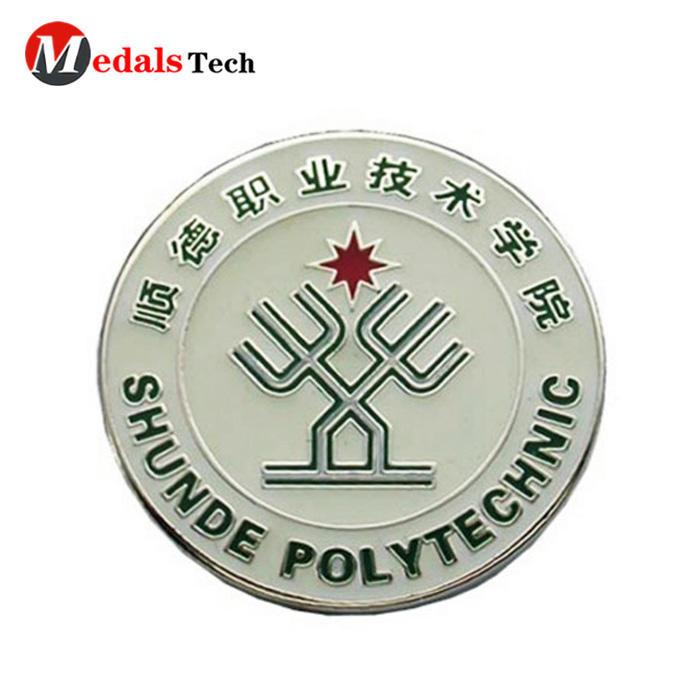 Wholesale round custom car logo souvenir metal emblem