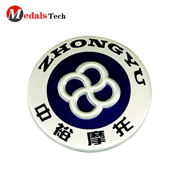 Promotional customenamel flower shaped metallapel pin badge