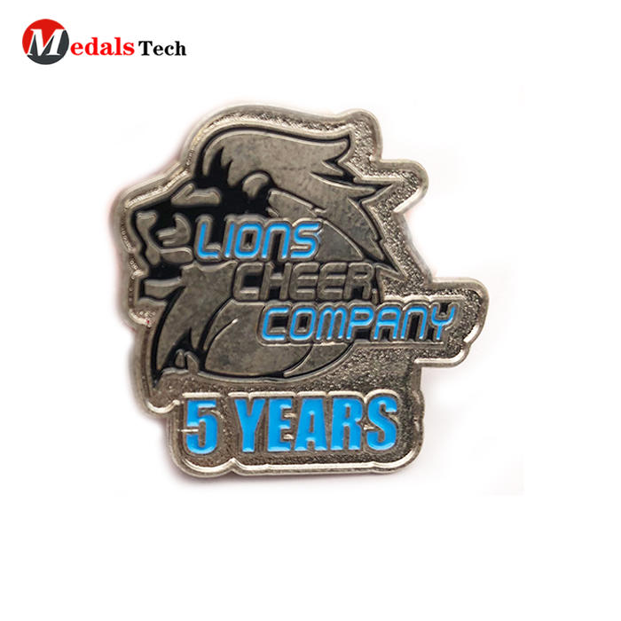 Cheap custom company logo silver plating metal pin souvenir badge