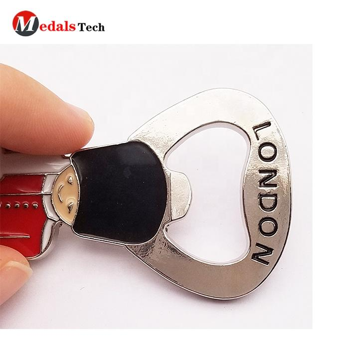 Customized classic London soldier mini shape tourist souvenirs zinc alloy metal shinny silver beer bottle opener