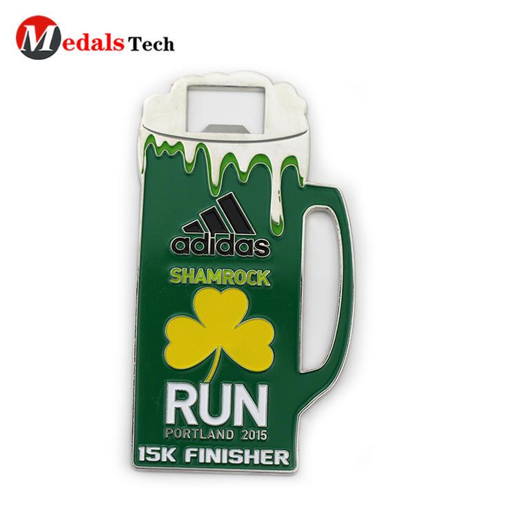 Creative cup shaped custom logo 5k running finisherbottle opener