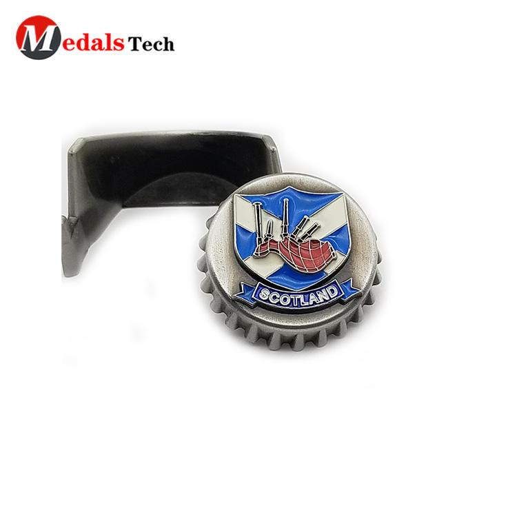 2021zinc alloy made assembly color filled metal logo cap shaped beer bottle opener for sale