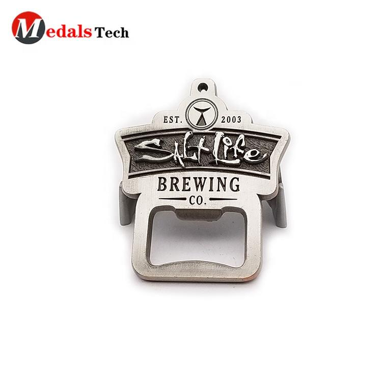 Zinc alloy metal custom antique nickle barrel shape military running sport bottle opener