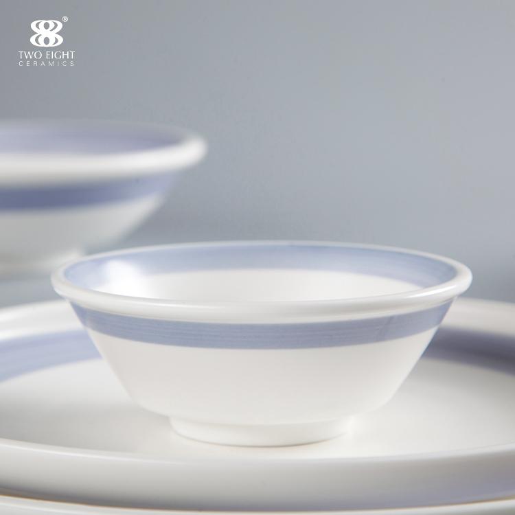 White and blue China porcelain bone china crockery tablewarefor hotel and restaurant