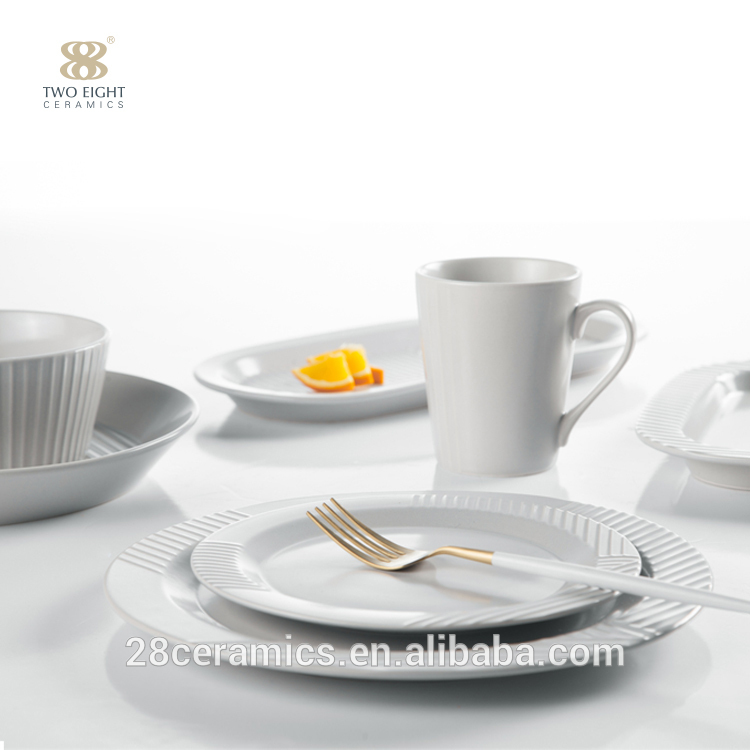 Best selling colored porcelain dinnerware set