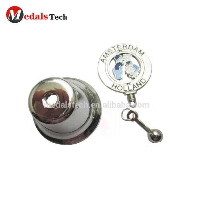 Custom 3D zinc alloy stand size smooth color filled logo metal wedding bell