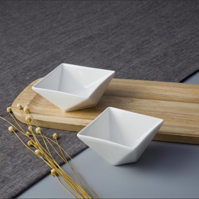 Decorative fine porcelain irregular special design oven safe baking dish nut bowl