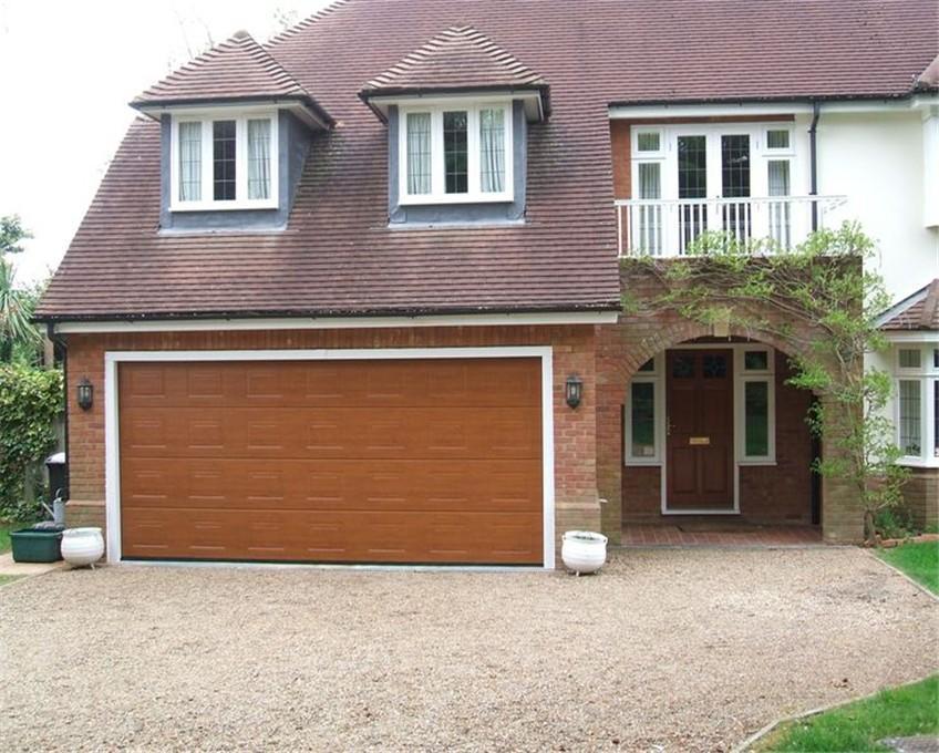 Customized Garage Doors Retro Style Garage Door For Different Size