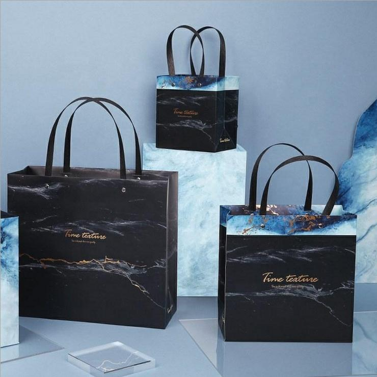 Clothing Costume Creative Gift Shopping Bag Designed Glossy Gold Foil Boutique Paper Bags