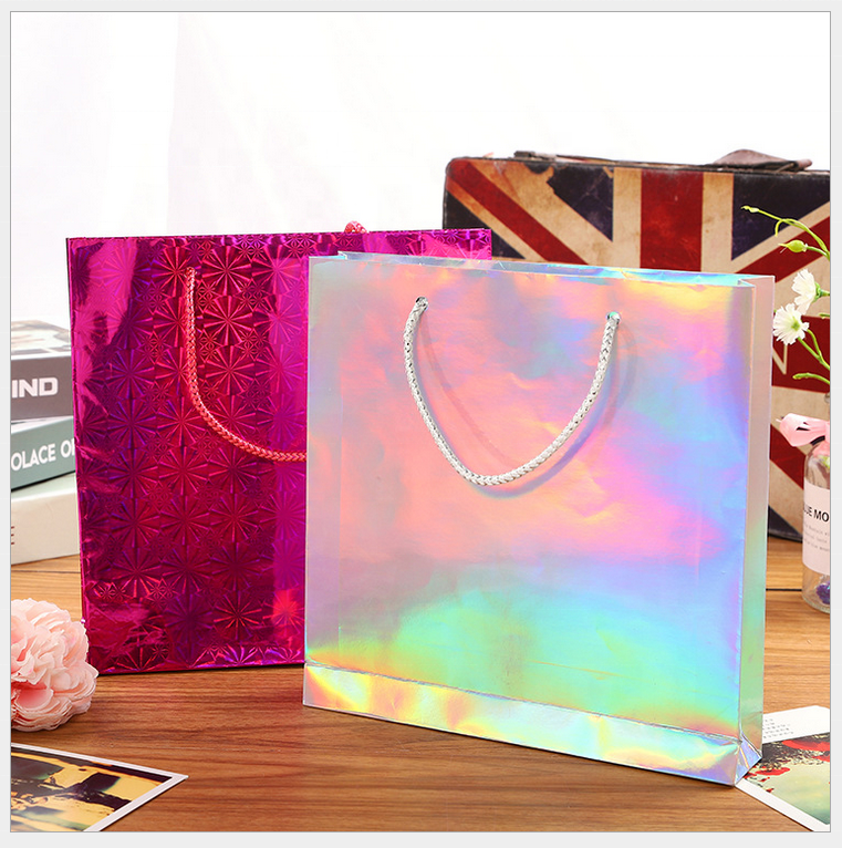 Top Quality Luxury Customized Foiled Paper Shopping Bag With Handle Carrier Bags