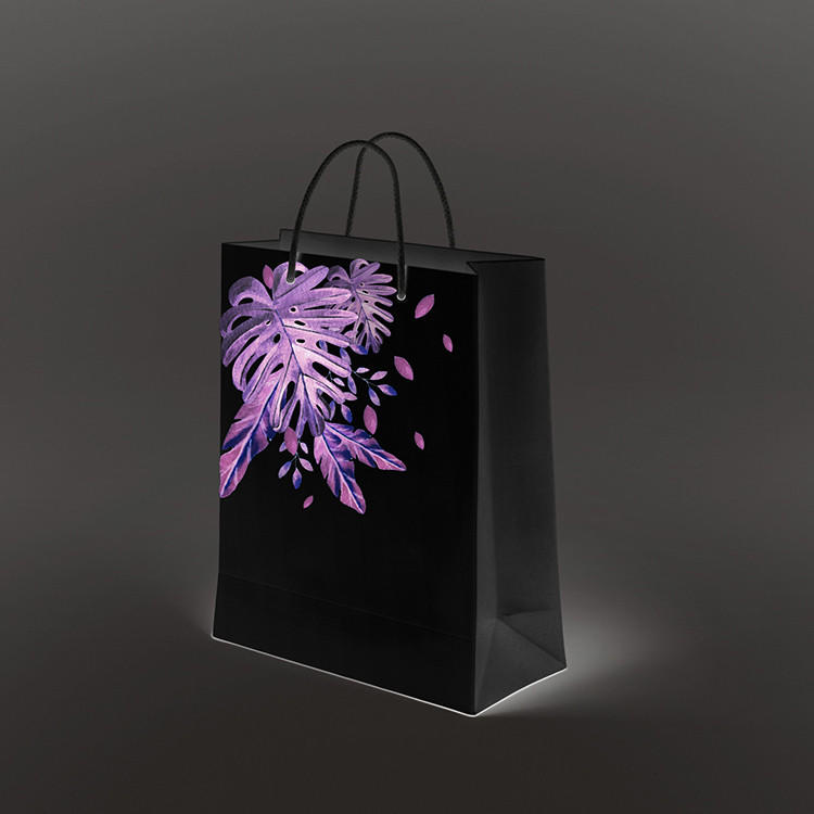 2020 new product dark black custom printed on glossy paper small black paper bag gift bags with handle