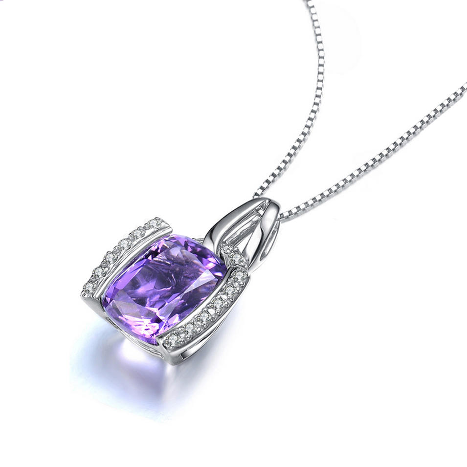 Shiny gemstone silver beauty necklace chain types