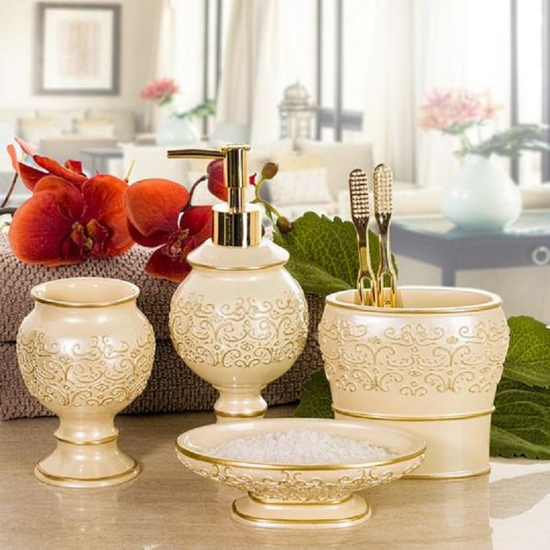 Royal Gold Resin Home Decorative Bathroom Set