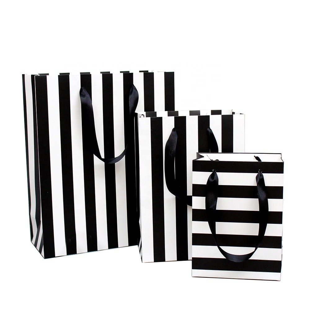 Victoria Secret black Bridal Bachelor Party Gifts Custom Names Personalized Bridesmaid'S Gift Bags With Satin Ribbon Handles