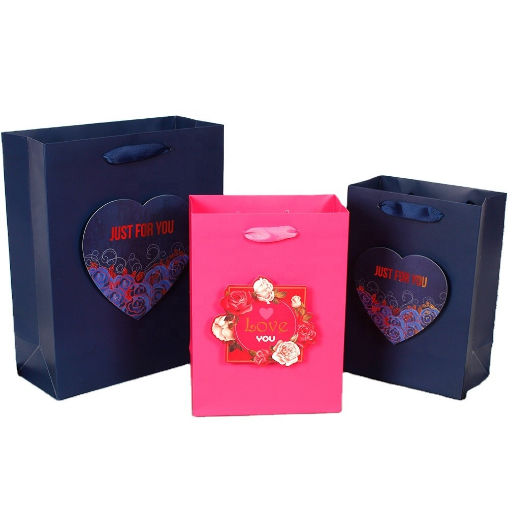 Wholesale Customized plain gift bags packaging bagretail bags