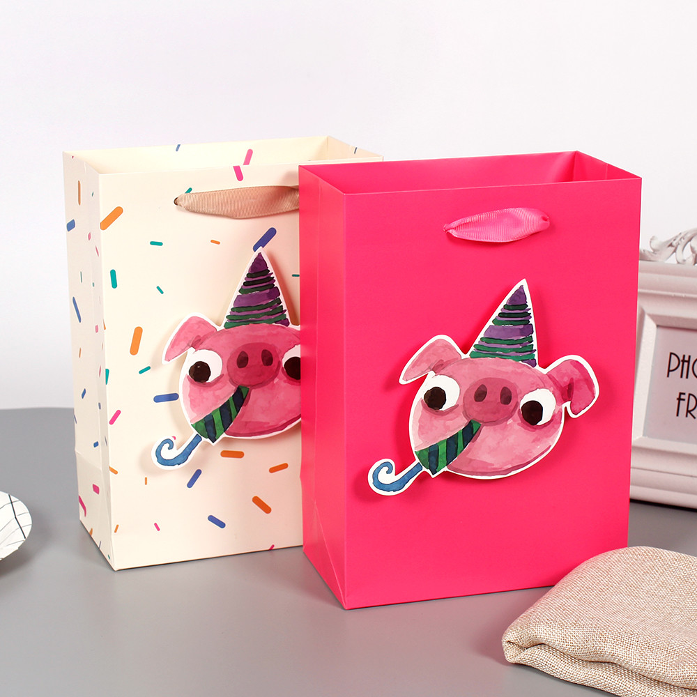 Happy Birthday Little Pig Cute Paper Bag With CMYK Printing 3D Tip Accept Customized