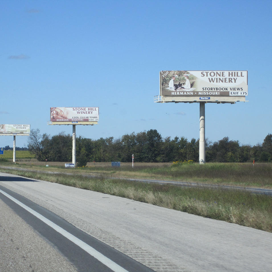 Highway two sides solar powered electronic billboards