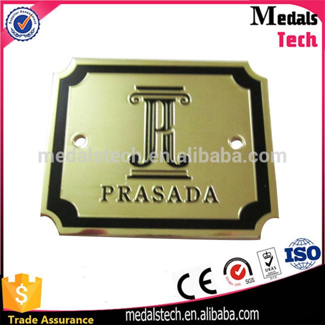 Factory direct sale custom design antique gold plated zinc jeans metal label