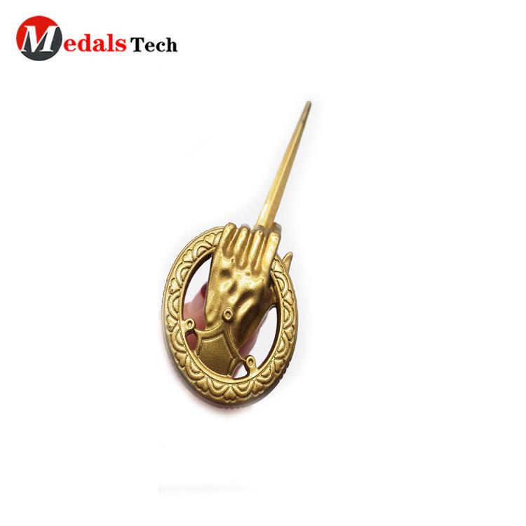 Factory price custom shinny gold metal brand logo for handbags