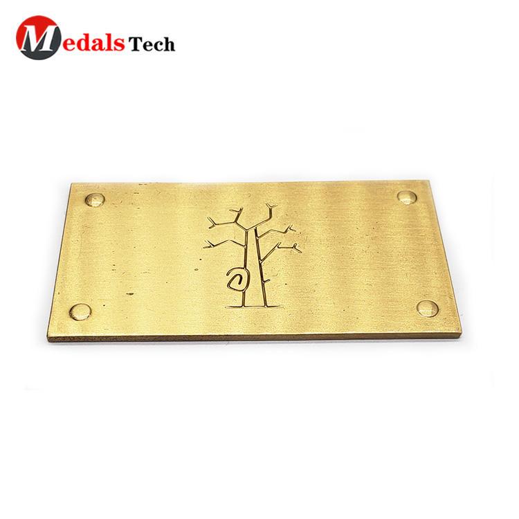 Wholesale custom zinc alloy recessed logo gold plating nameplate