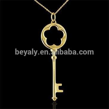 Latest Stylish Flower 14K Gold Key Pendant
