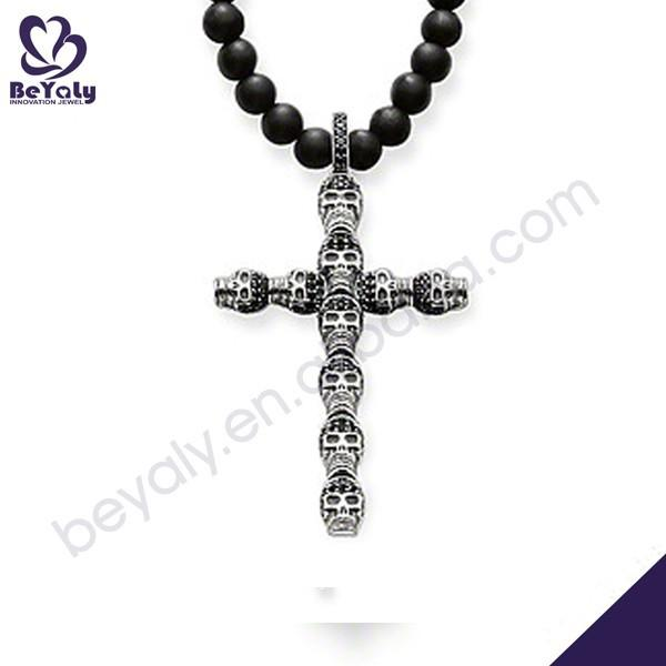 Black beads decor with skull crucifix men pendant