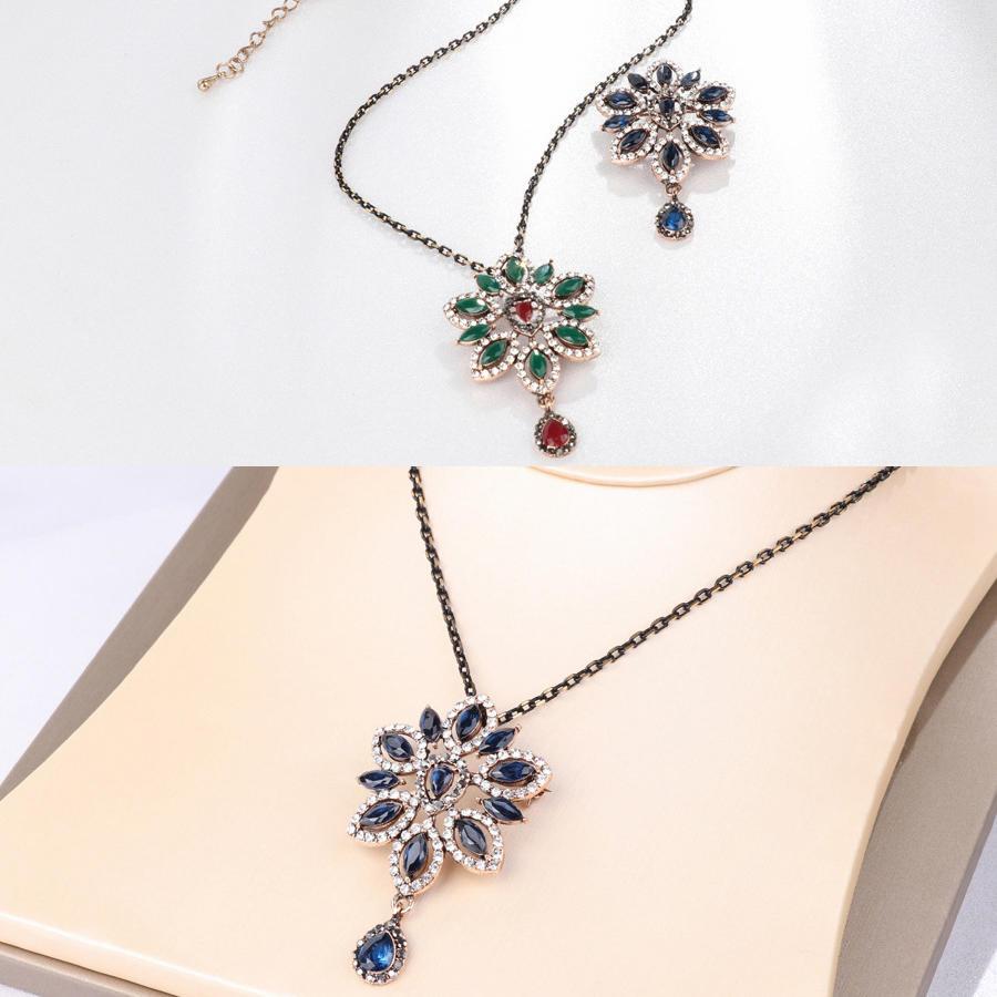 Lady Vintage Style Safflower Green Leaf Crystal Collar Necklace