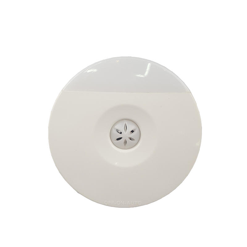 A82 CE ROHS BS Wall LED plug in Night Light Auto Sensor Control Lamp Bedroom hallway Light