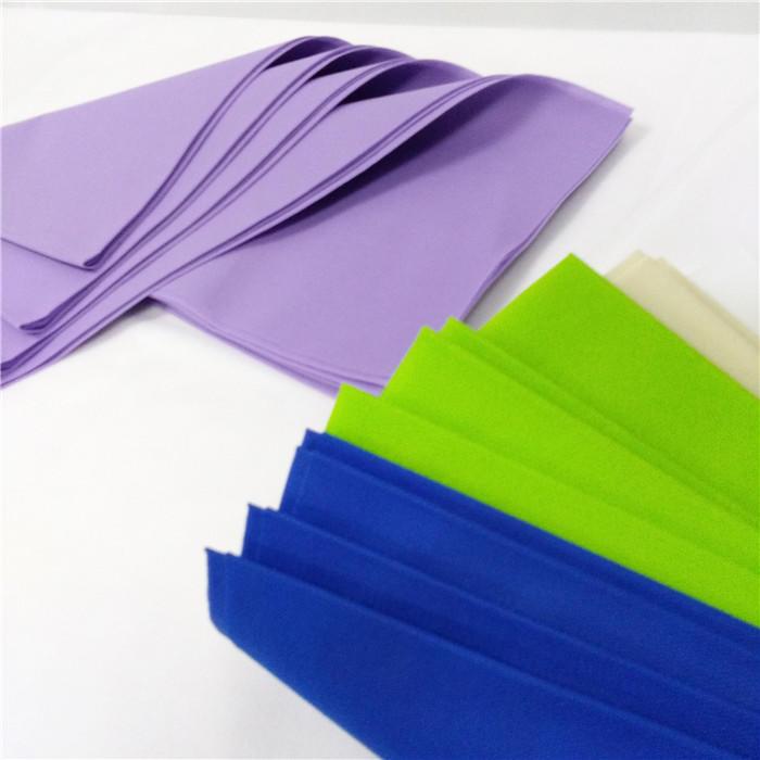 Light purple color Tnt Tablecloths 140X140cm for restaurants table cover /tovaglia-tnt