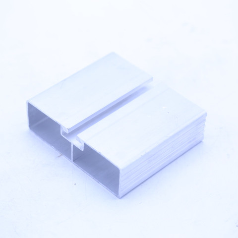 Truck Aluminum Extrusion Profiles Lateral Protection