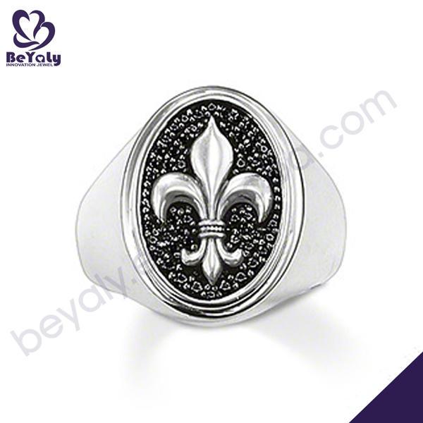 Fantastic fleur de lis engraved silver princess crown rings