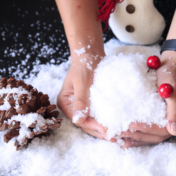 2020 New Christmas Decoration Instant Snow Powder Kid Toys Magic Artificial Instant Snow