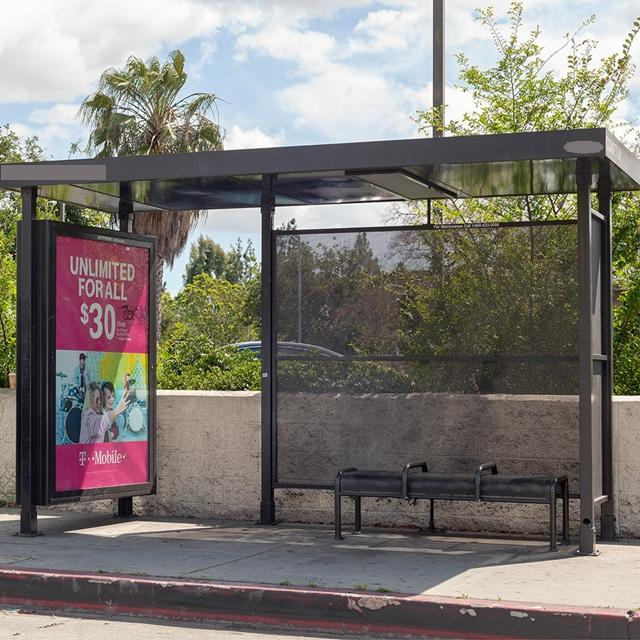 2020Modern Smart Bus Shelter Metal Bus Stop with Light Box