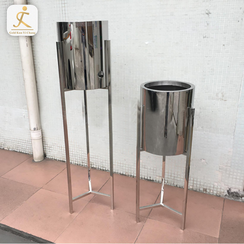 Hot sale! Customized Gold round design iron home decorative vases metal large floor vases for hotel