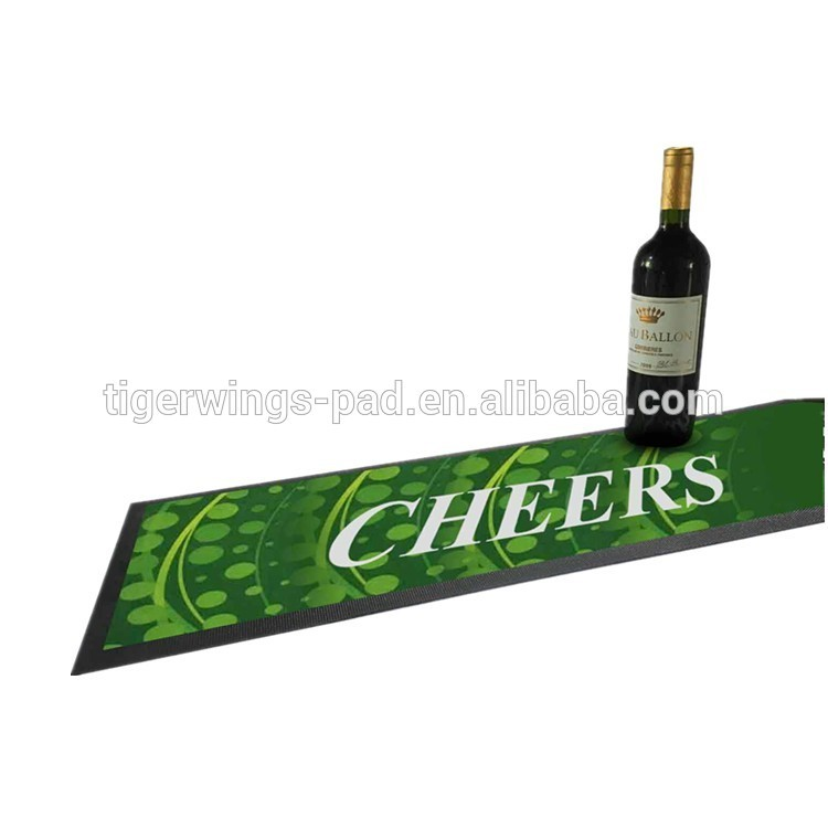 High quality cheap branded soft rubber imprinted beer bar mat with factory price