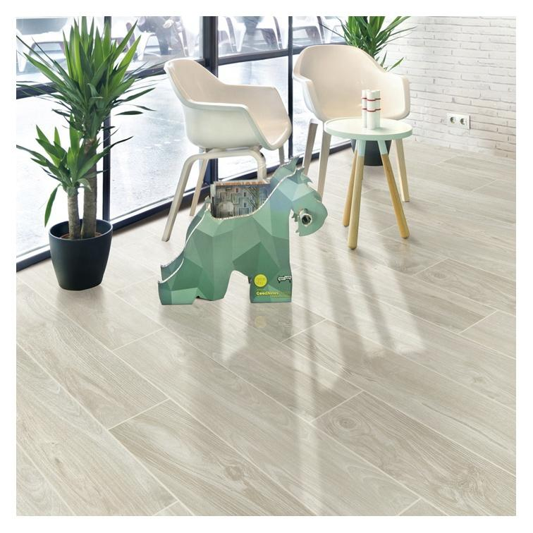 Rustic tile looks like wood/ foshan porcelain tile wood
