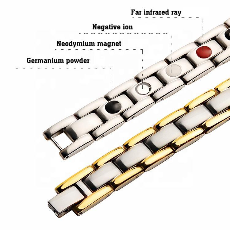 Shiny Men Cuff Gold Titanium Bracelet With Magnets