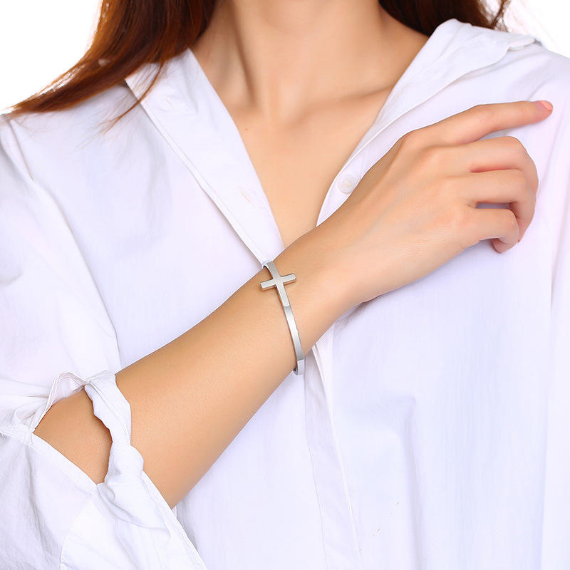 Trendy Fashion Stainless Steel Simple Adjustable Cross Bracelet