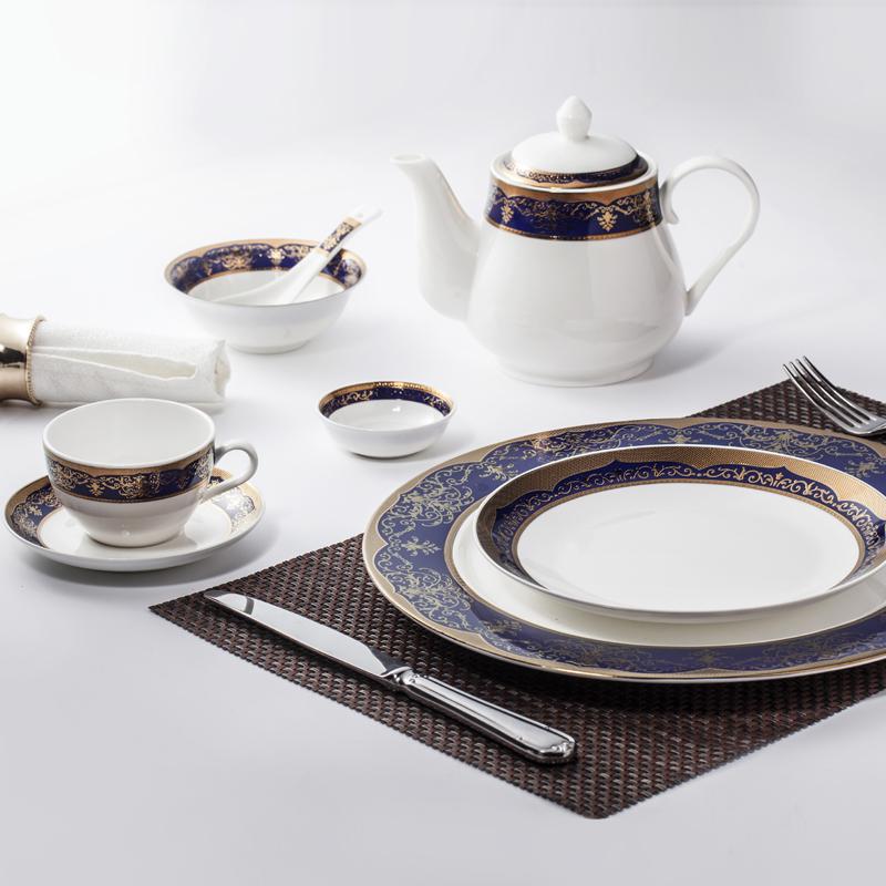 Hotel Restaurant Crockery Tableware Bone China Decal Dinnerware Set, China Porcelain Embossed Gold and Blue Dinner Set>