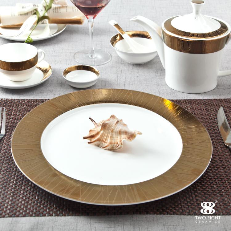 Dubai elegant high range Persian gold bone china crockery ceramic dishes for hotel