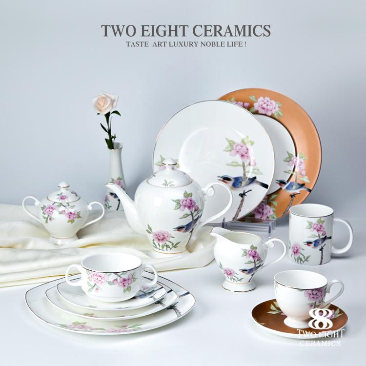 Wholesale royal bone china luxury dinner set flower decal printing hotel crockery set