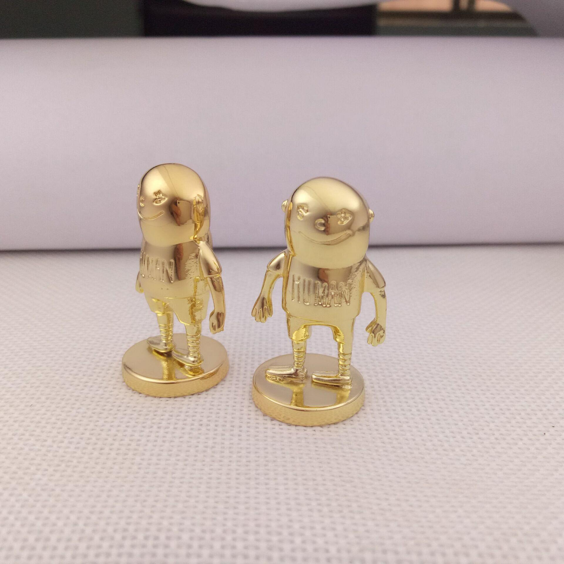 Fan made custom home office interior decoration golden metal japanese movie statue for desk