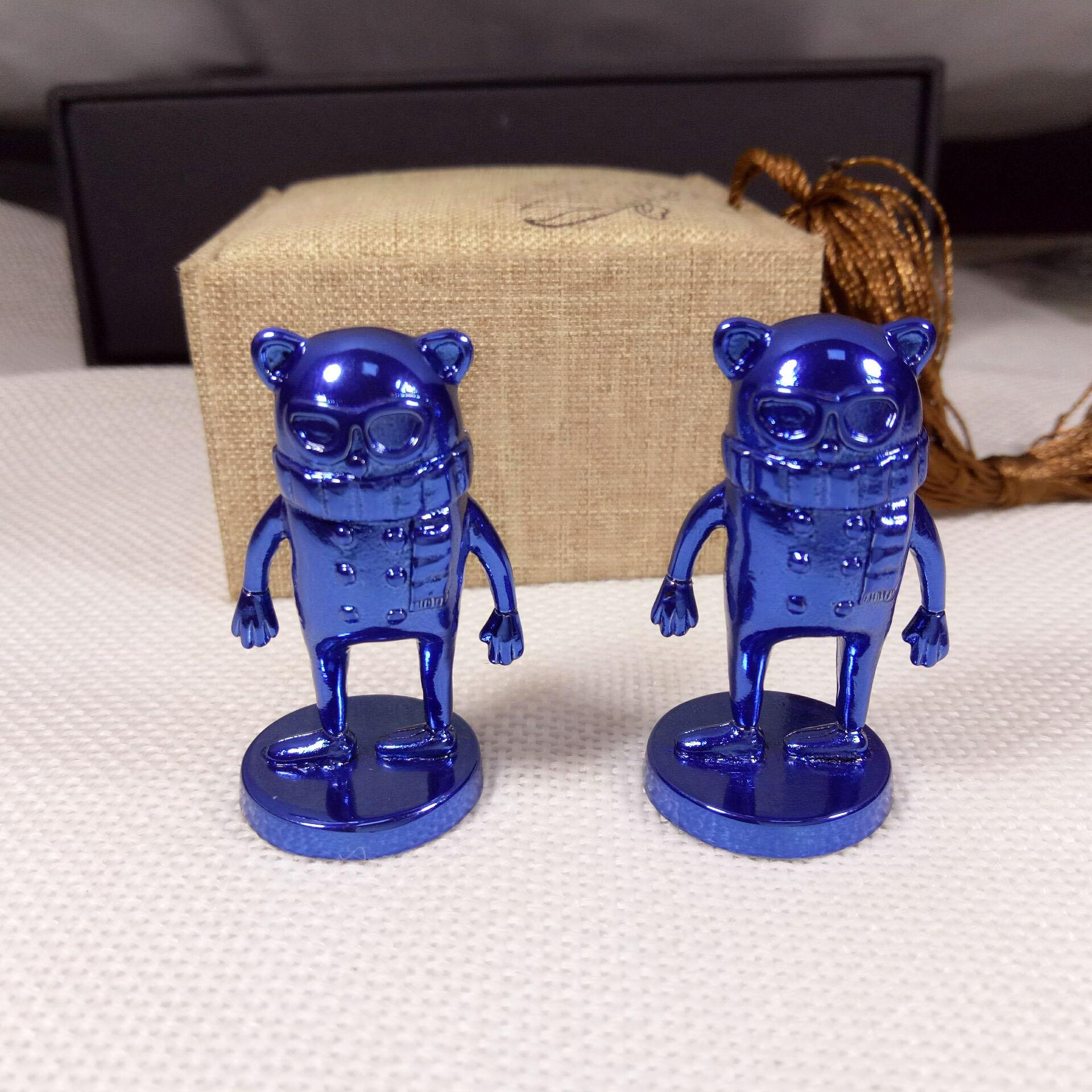 Hot sale zinc alloy custom metal blue plated 3d cartoon figures sculpture for souvenir