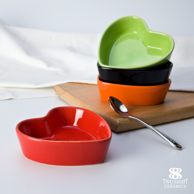 Restaurant Heart Dish, B2C on Line Shop Colorful Dishes, Ceramic Heart Shape Bowl