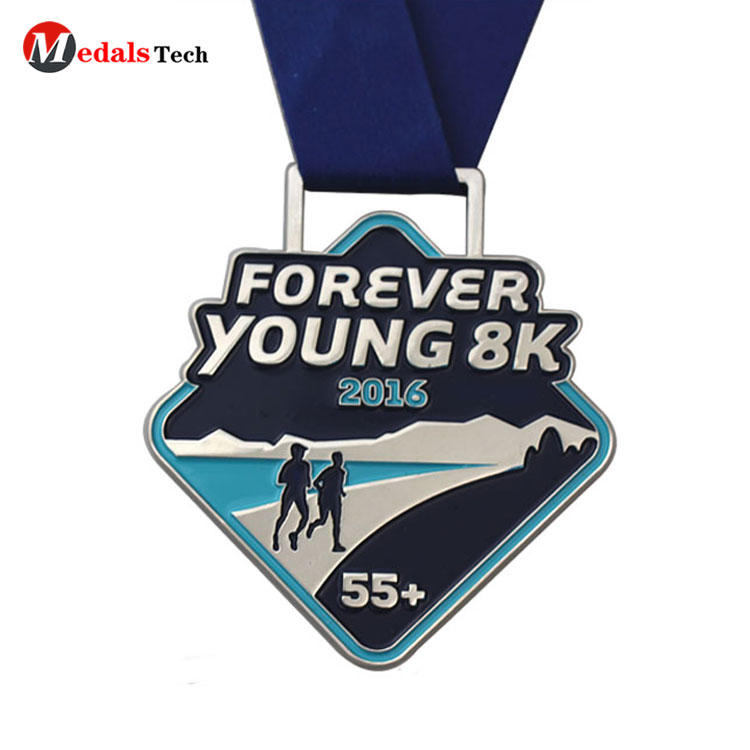 Wholesale custom plating silver soft enamel running metal medal