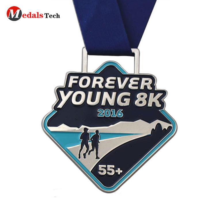Wholesale custom plating silver soft enamel running metal medal