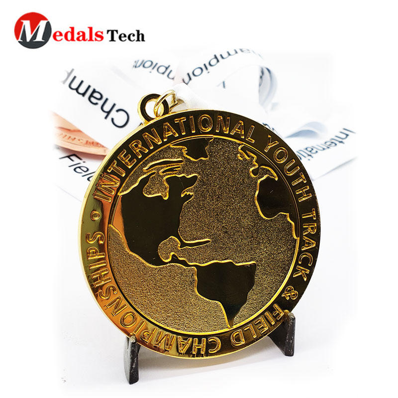Wholesale custom 24K gold plated Pure color logo embossed metal half marathon finisher medal