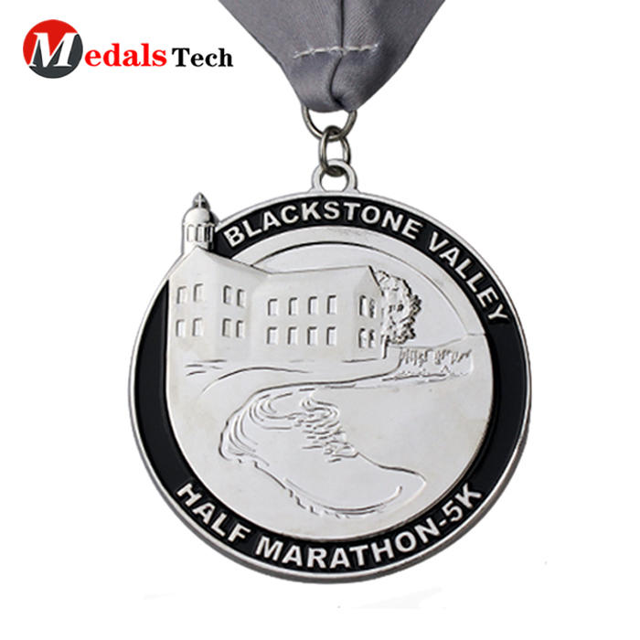 China manufacturer custom marathon running matt silver plating custom die cast medal with color